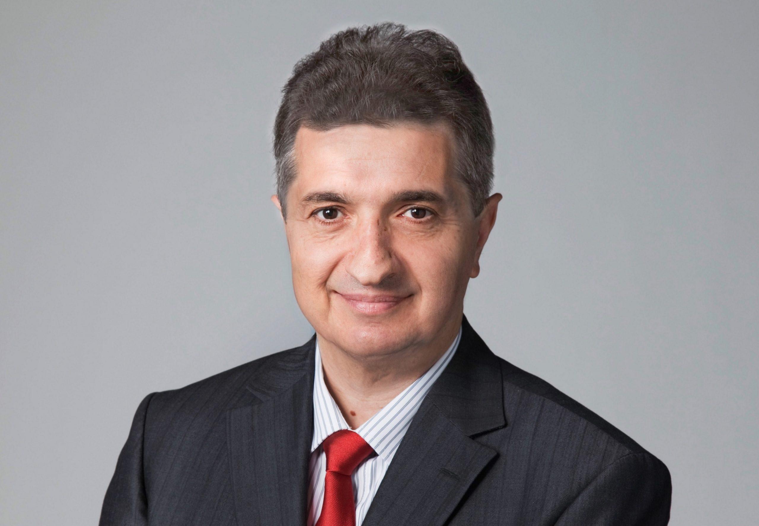Mauro Vignali, Geschäftsführer